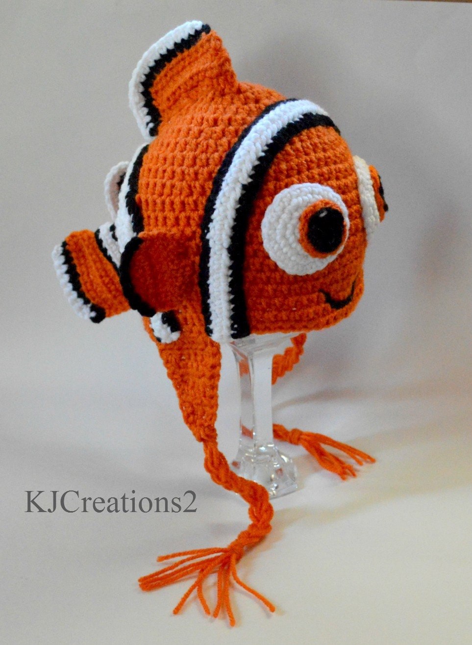 Crochet pattern nemo hat squareone for for Clown fish size