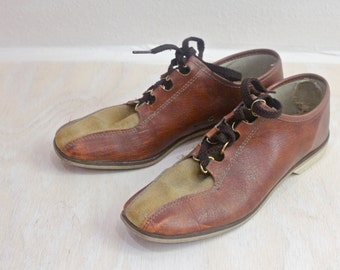 Vintage Two Tone Ladies Bowling Shoes Sz 7/7.5