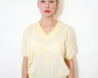 Vintage 70s Pale Yellow V Neck Knit Sweater Blouse