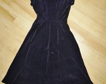 Vintage Black Velvet Cocktail Dress Rhinestone Scalloped Neckline Audrey Hepburn Costume 1950