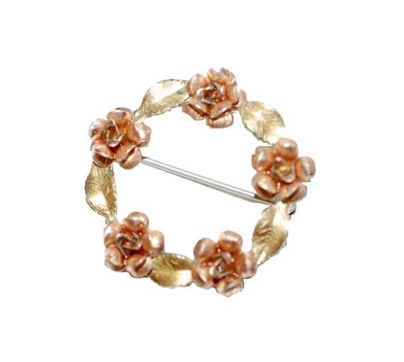 Krementz Brooch Pin Rose Goldtone Wreath Victorian Edwardian Floral Flower Pink Circle