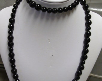 LONG ONYX  NECKLACE and free bracelet