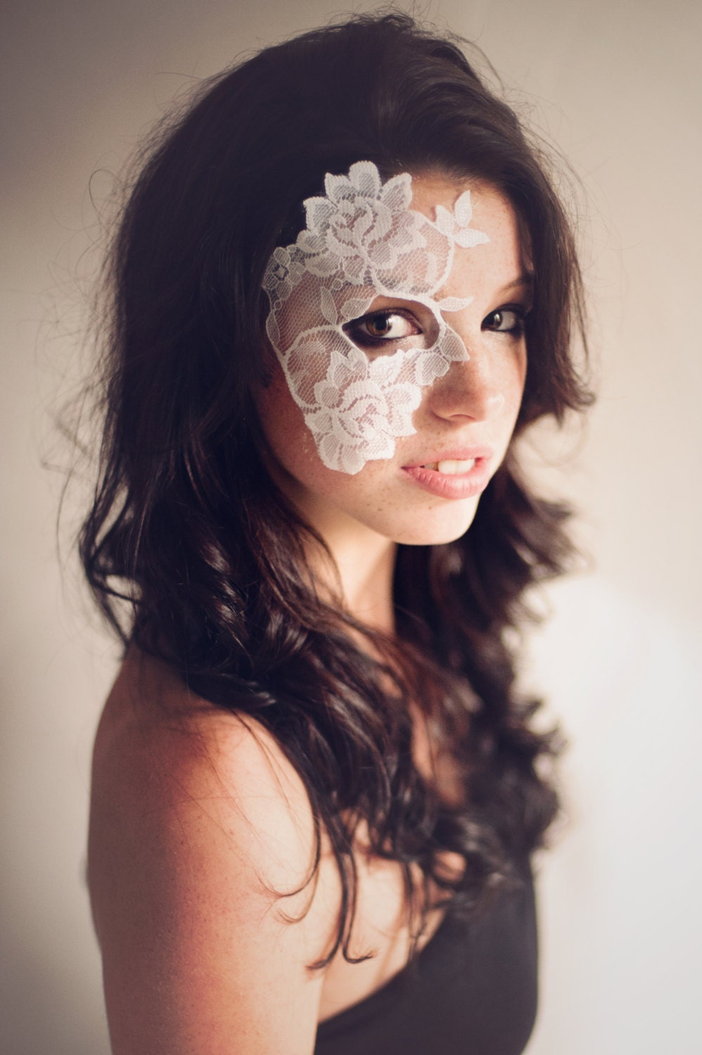 Masquerade Mask White Lace Strapless Mask