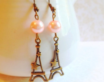 Eiffel Tower Earrings. Vintage Style. Brass. Light Pink Pearls. Romantic. Love. Paris. City of Lights. Stars. Dangle Earrings.