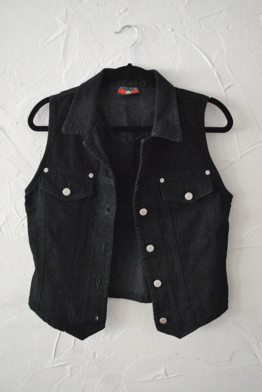 black vest and jeans - photo #33