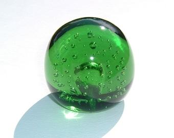1940-1950 Collectors Brunswick Green colored Fine Art Bubble Optical Illusions Glass Paperweight