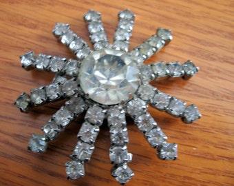 1950s Rhinestone Snowflake Brooch