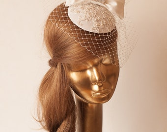 Bridal Ivory FASCINATOR with BIRDCAGE VEIL. Lace Fascinator w. Taffeta Bow. Wedding Mini  Hat with Veil