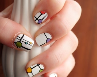 Abstract Dot Hand Painted  Fake Nails