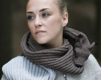 foxy scarf with fisherman's rib in brown