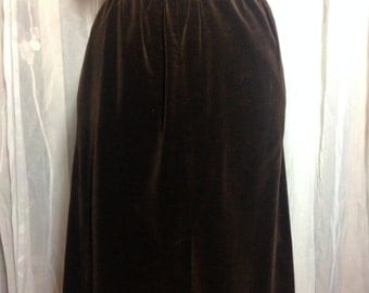 1970s Decadent Brown Velvet Knee Length A-Line Skirt w/Front Slit, Pleats & Pockets