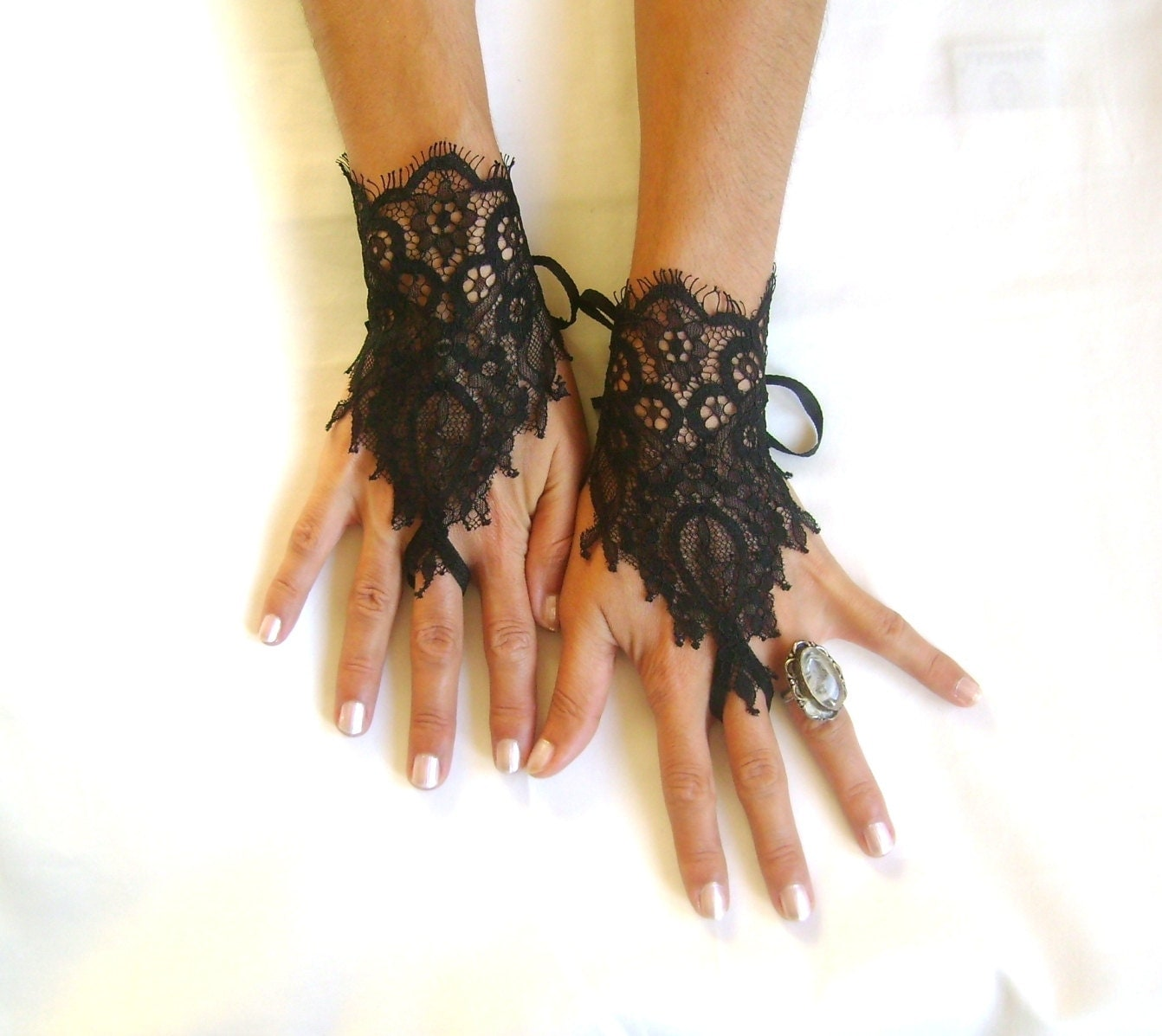 Goth gothic black lace gloves french lace bridal wedding for Lace glove tattoo