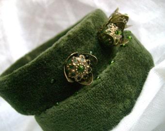 a fairy tale...-bracelet-cuff-set of 2 ,deep green,textile,crown,bronz,metal,filigree,velvet,recycled,semipretious,agats,glass bead,ooak