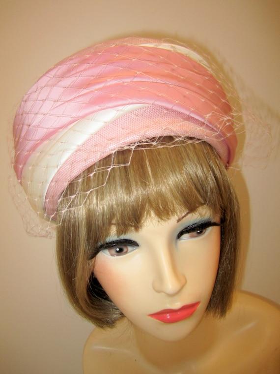 Jackie Kennedy Pillbox Hat: 1960s Pink Pillbox Hat/ Hardesty Jackie Kennedy Style Pillbox