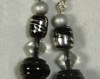 """Cynthia Lynn """"OUT & ABOUT"""" Black and Silver Glass Bead Dangle Fish Hook Earrings 2"""""""