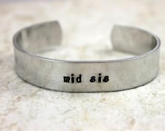 Sister Jewelry / Sister Gift / Sister Present / Middle Sister Gift / Middle Sister Present / Sister Birthday Gift / mid sis Bracelet