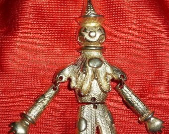 Vintage 1970's Articulated Scarecrow Clown Halloween Brooch Pin - Gold Tone - Free Shipping