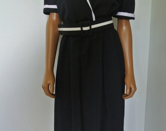 Vintage 1960s Black and White Day dress Career by Periwinkle / L