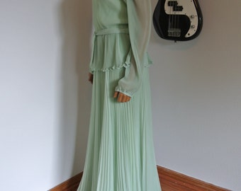 Vintage 1960s Chiffon Maxi Gown by Miss Elliette of California Old Hollywood Glamour in Mint Sorbet Color / L