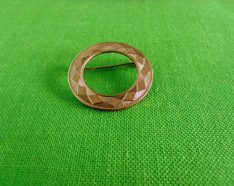 Vintage Circle Brooch (Item 681)