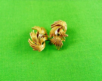 Vintage Gold Clip On Earrings (Item 851)