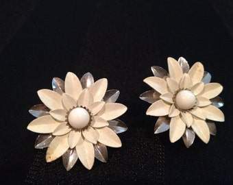 Vintage White and Silver Flower Earrings