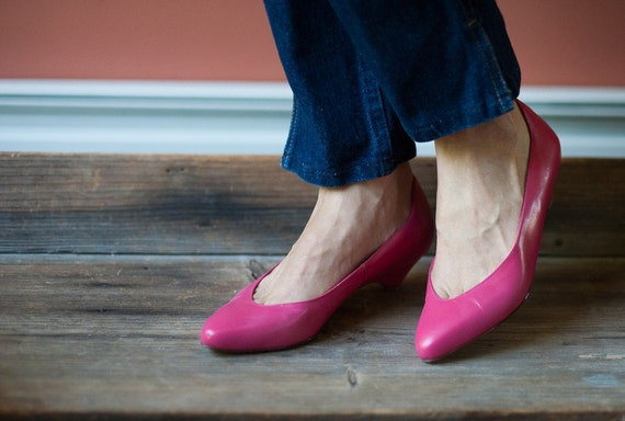 80s Hot Pink Pumps // Like New // Leather Low by FarFieldVintage