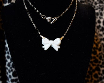 White Shimmer Bow Necklace