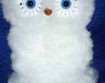 Baby owl wall decor, macrame. Fluffy white