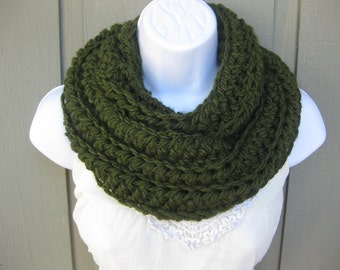 Crochet cowl in hunter green, green infinity scarf, loose cowl, olive green cowl