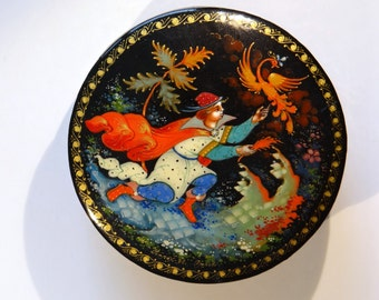 Hand painted Russian Palekh lacquer miniature box -The Firebird- made in 1993, signed by the artist