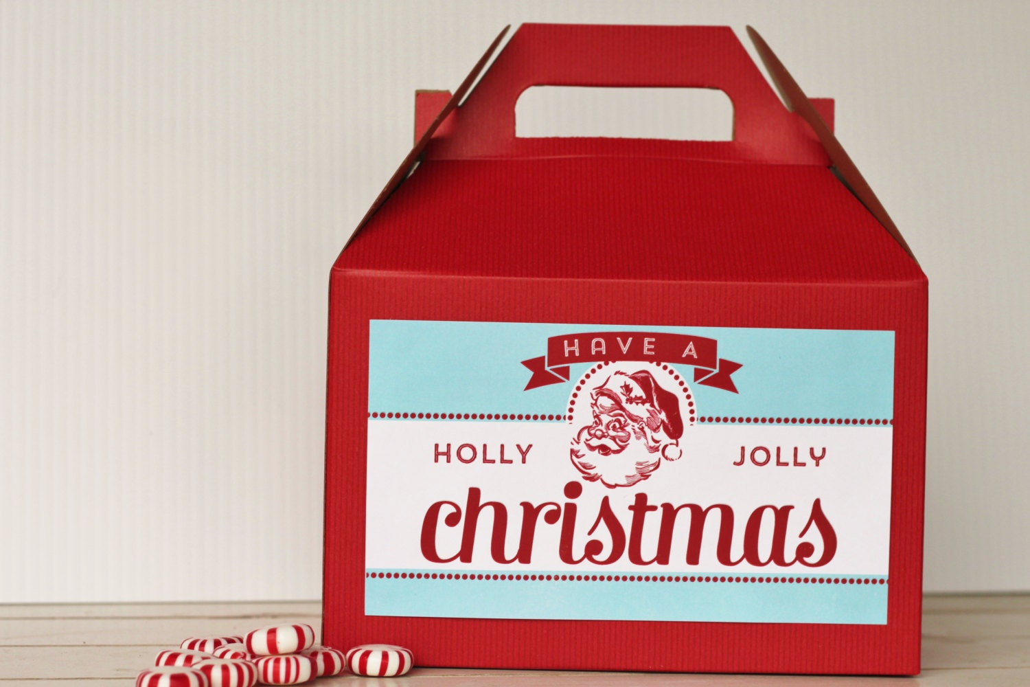 Set red gable boxes with custom labels retro santa