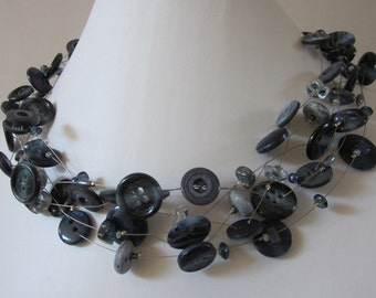 SOPHISTICATED JEANS, necklace of vintage buttons & beads