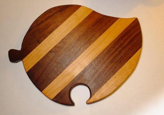 New Leaf Cutting Board