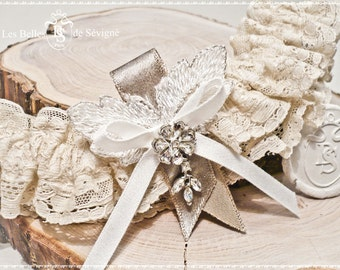 Garter, antique lace and light brown ribbon. Appoline