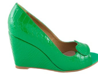 Green leather ladies/women's wedge shoes