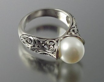 The ENCHANTED Pearl 14K white gold ring
