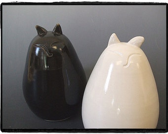 My Big Fat Cat Salt and Pepper Shakers Set-White and Black Glaze by misunrie