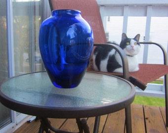 Vintage BLENKO GLASS 8821M Glass Vase in Sapphire