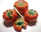 RARE Pottery tomato ware 4pc set salt pepper shakers jam dish w/ lid & spoon vintage collectibles