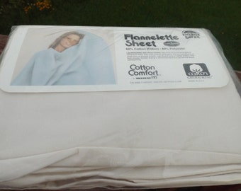"""Sale flannelette Twin fitted sheet for 39""""x75"""" mattress,60% cotton beige.Original pack twin sheet.Linens.Home decor.new old stock,Dead stock"""