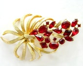 Retro Red Brooch Vintage Flower Summer Jewelry Collectible Pin Modern Hollycraft Style