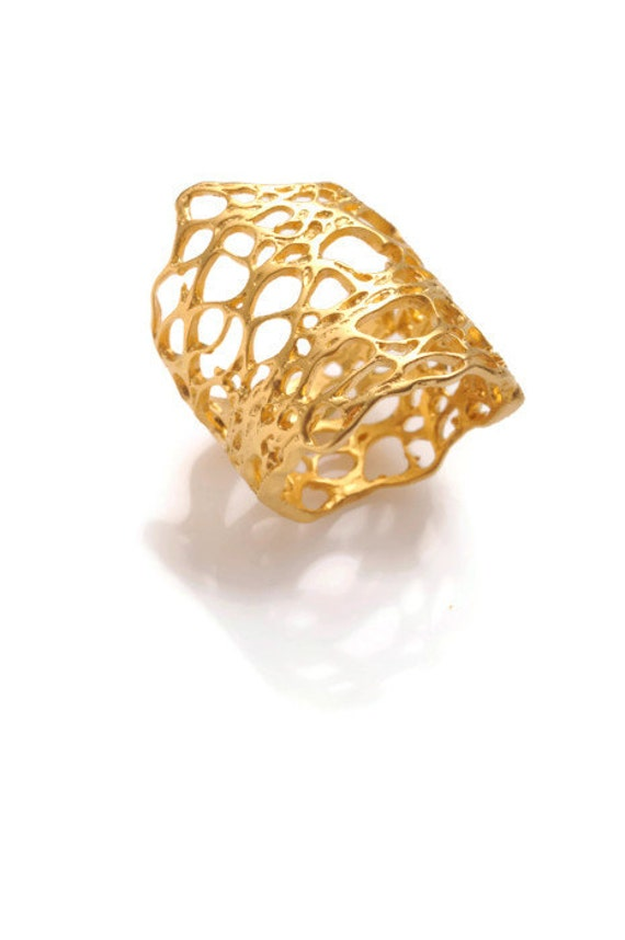 Gold ring TERRA ring from the sabrawear collection.