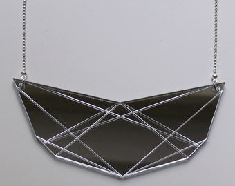 In.Line necklace