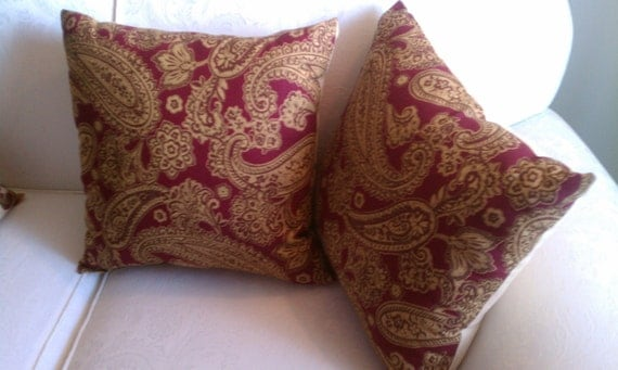 Burgundy Print Throw Pillows : Set of 2 Burgundy and Beige Paisley Print Decorator Throw