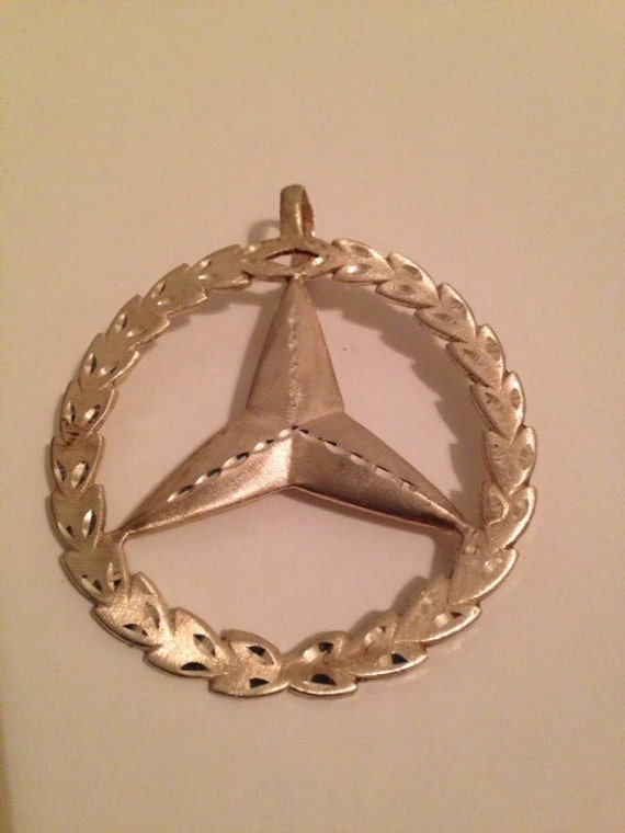 Vintage sterling silver mercedes benz pendant for a necklace for Mercedes benz pendant