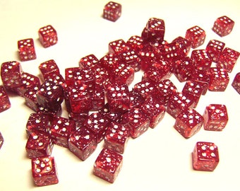 25pcs 7mm Red Glitter Dice Beads