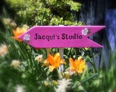 ARROW SIGN with STAKE, Personalized Hand Painted Sign with stake, Arrow, Directional Sign, Outdoor Sign, Custom Wood Sign, Directional Sign