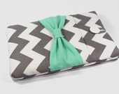Laptop case, 13 inch laptop sleeve, laptop cover, 13 inch case, computer case - Grey white chevron with mint bow