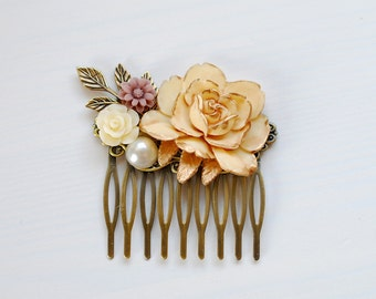 Wedding Hair Comb, Bridal Hair Comb, Ivory Rose Hair Comb. Rustic Vintage Shabby Chic Hair Accessory, Flowers and Leaf Collage Hair Comb,